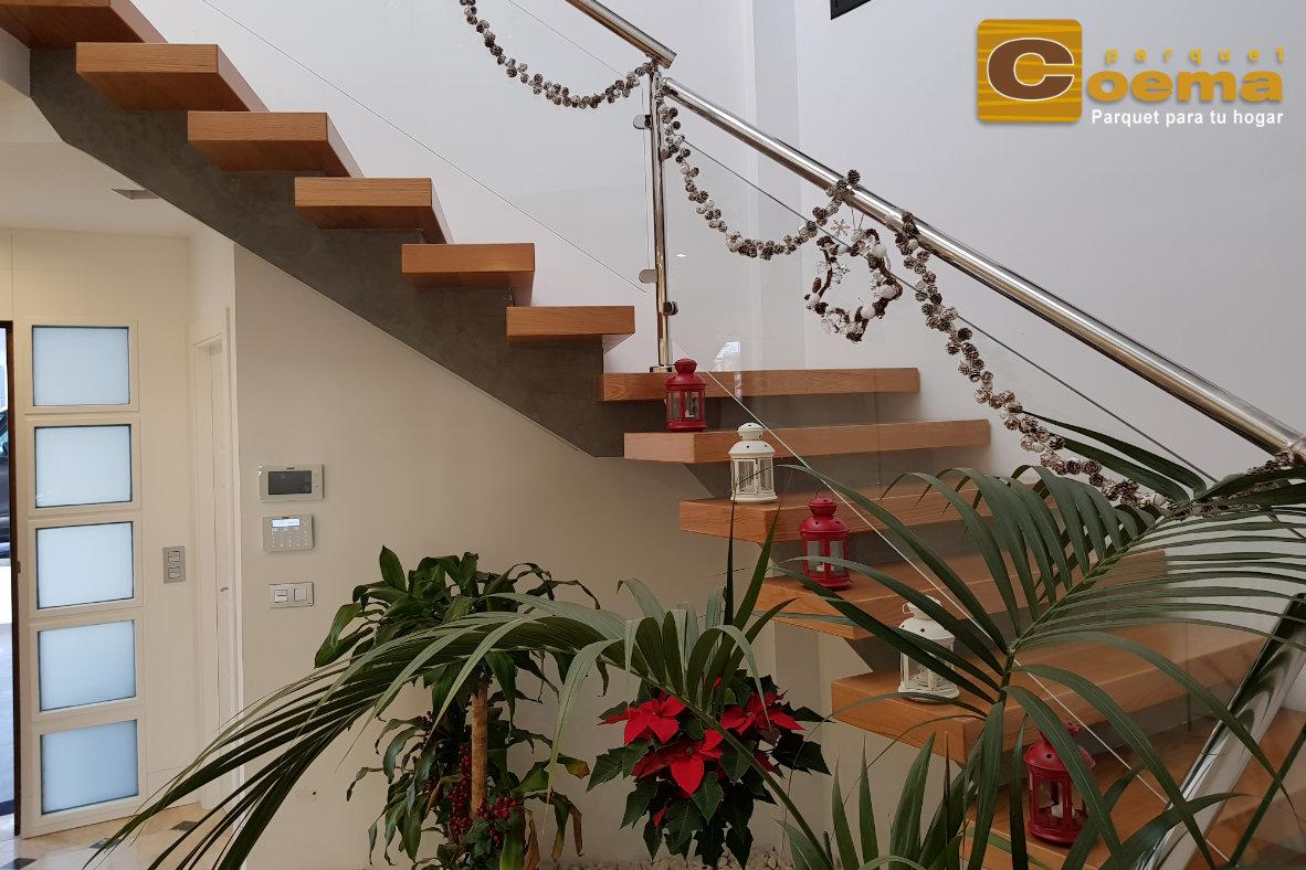 Escaleras de tablón macizo