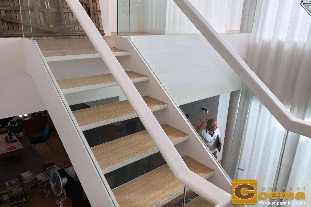 Escaleras de tarima maciza de bambú