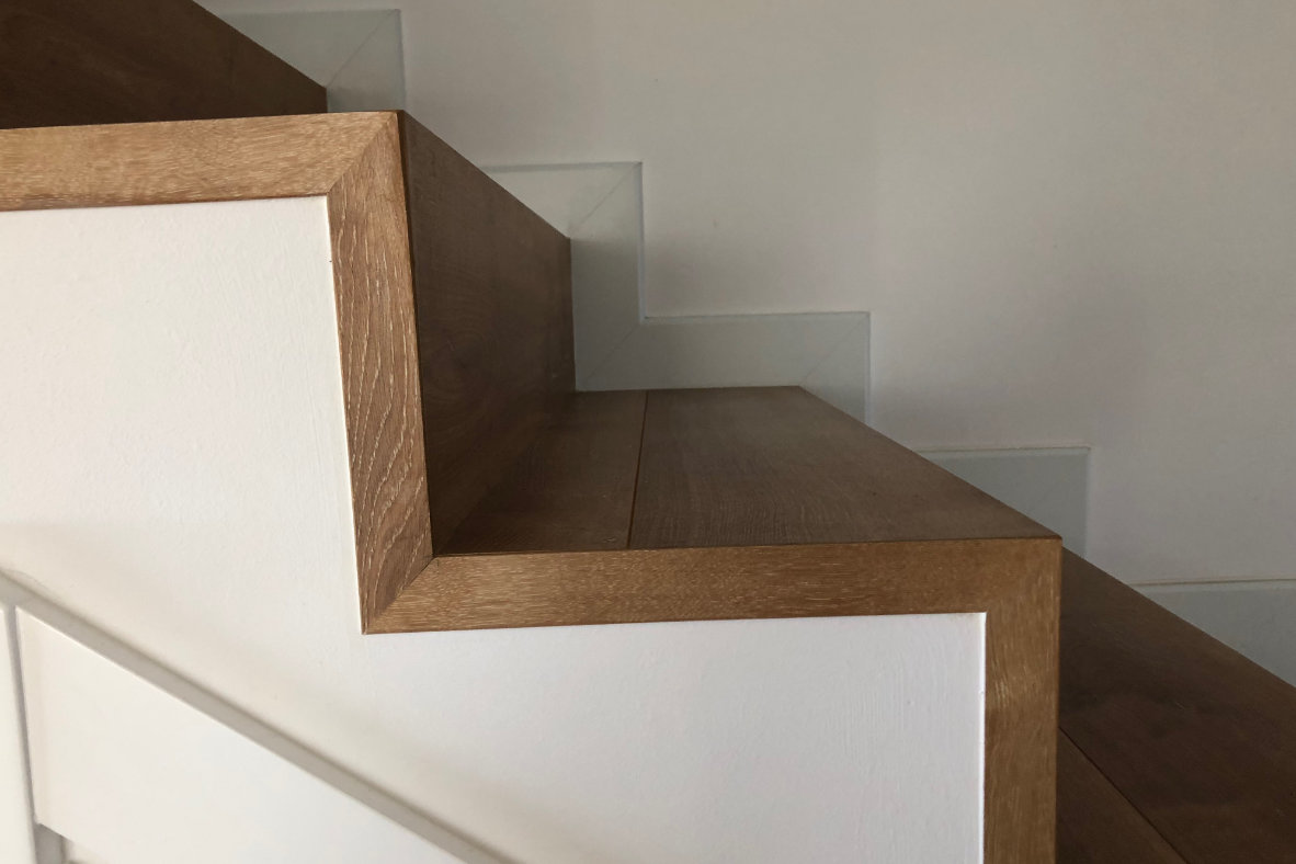 Escaleras de laminado y sin bosel