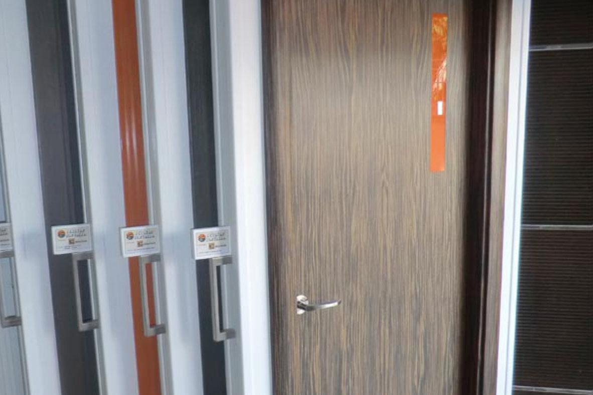 Puertas de madera malaga marbella