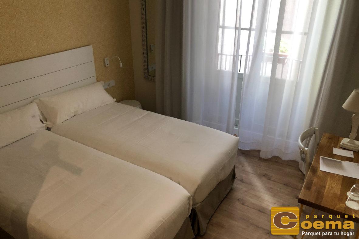 tarima flotante hotel malaga